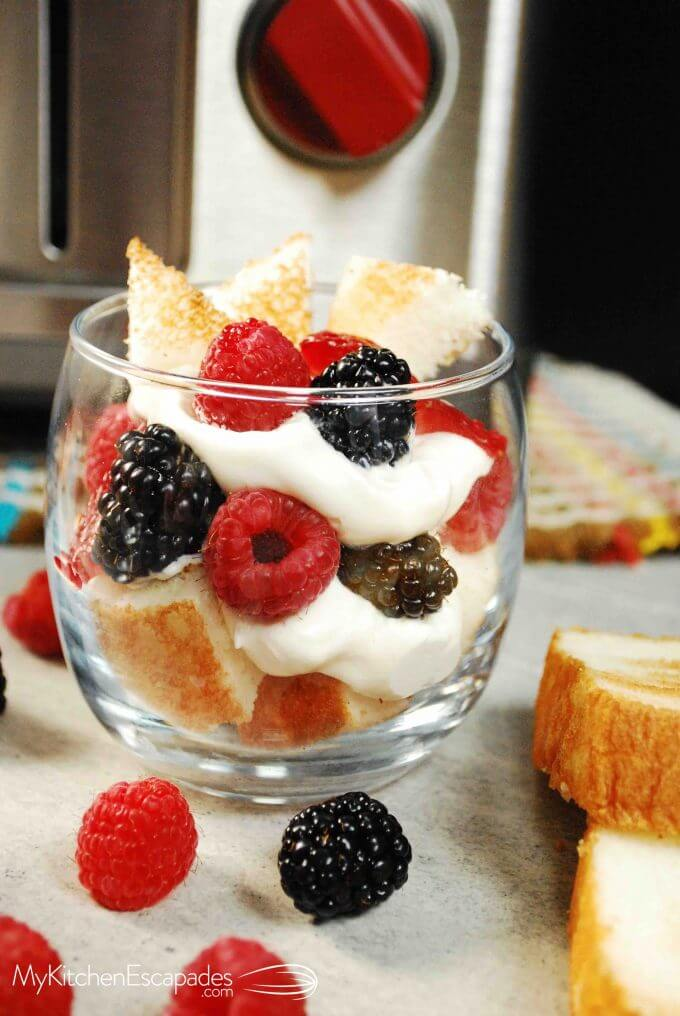 angel food cake parfait with fresh berries