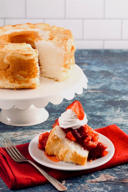 Easy Angel Food Cake with Strawberries